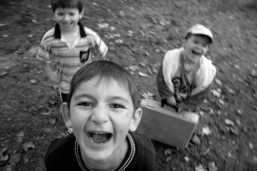На всех этапах становления: правительство озаботилось воспитательными программами для детей и молодежи