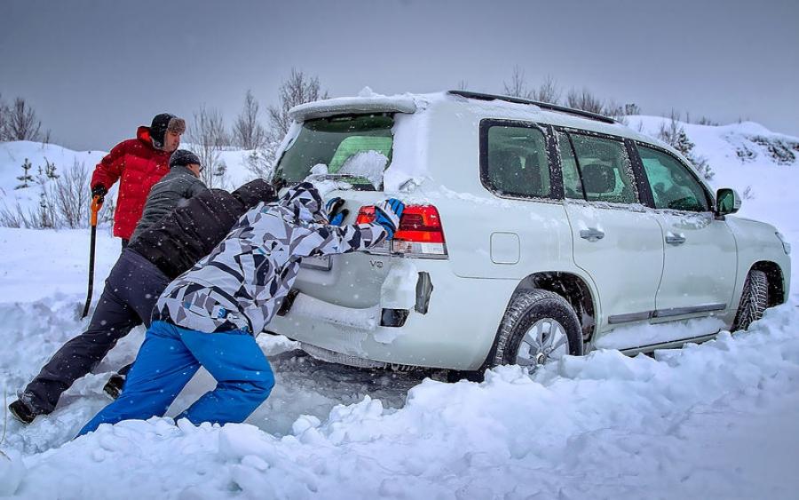 Какие вещи необходимо всегда возить в багажнике зимой