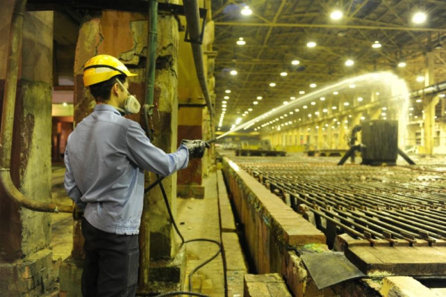 Работников вредных производств освободят от медосмотров